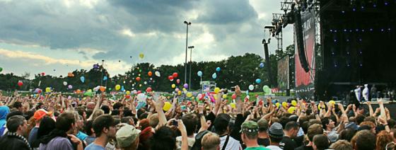 Rock im Park 2012, Tenacious D: Luftballons-Flashmob