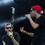 In die Gute-Laune-Show sind rund fünf weitere Tänzer und Rapper integriert. (© MD/festivalrocker.com)
